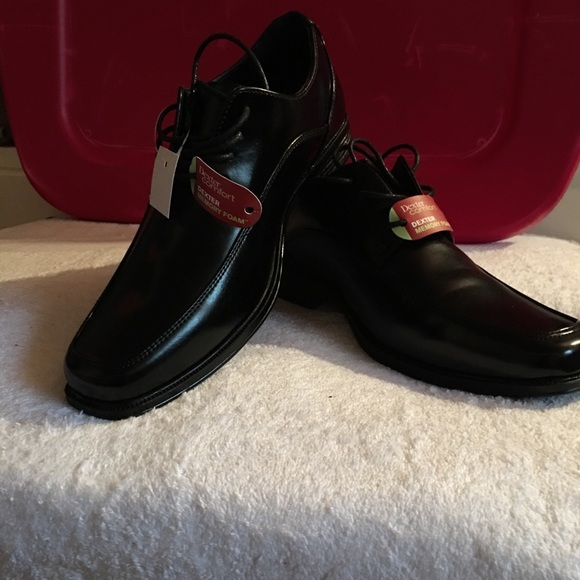 Dexter Other - Beautiful new dress shoes 👞 black NWT comfortable